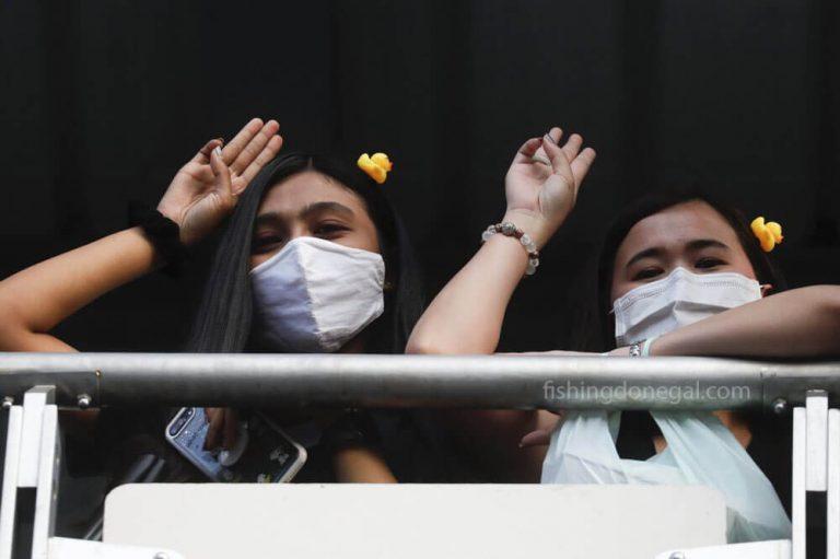 ผู้ประท้วงเพื่อประชาธิปไตยของไทยเตือนว่าอาจเกิด รัฐประหาร
