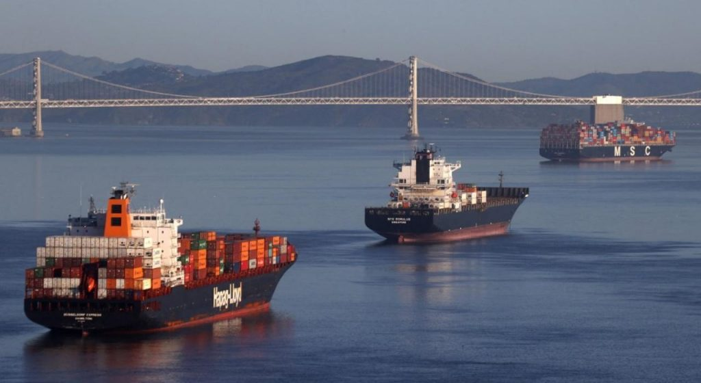 วิกฤต สุเอซสร้างผู้ชนะและผู้แพ้ในห่วงโซ่อุปทานระดับโลก ชุมชนการต่อเรือของกรีกซึ่งควบคุมกองเรือบรรทุกสินค้าในมหาสมุทรมากกว่าหนึ่งในห้า