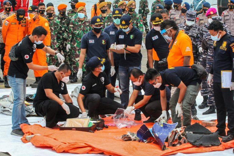อิน โดนีเซียกู้เครื่องบันทึกเสียงในห้องนักบินของ Sriwijaya Air jet
