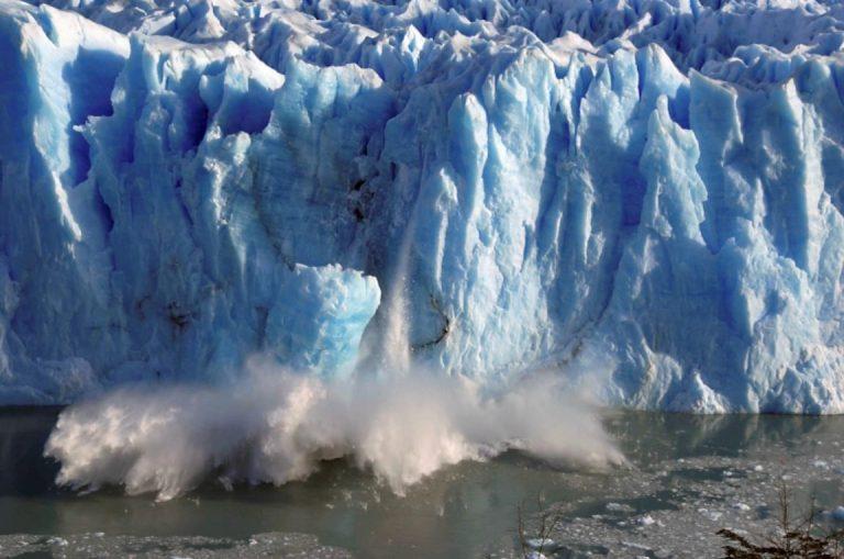 ธารน้ำแข็งละลาย ในอัตราที่เร็วขึ้น