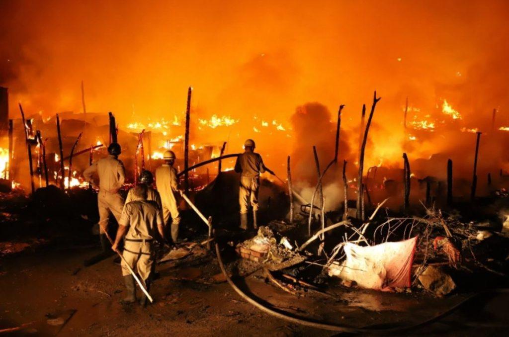 ไฟไหม้ค่ายโรฮิงญา ไร้ที่อยู่อาศัยนับร้อย